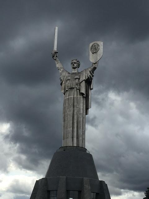 motherland kiev ucrania