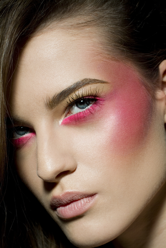 Dramatic Pink Eye Makeup: Photography & Other Things: STUDIO TECHNIQUES Assignment