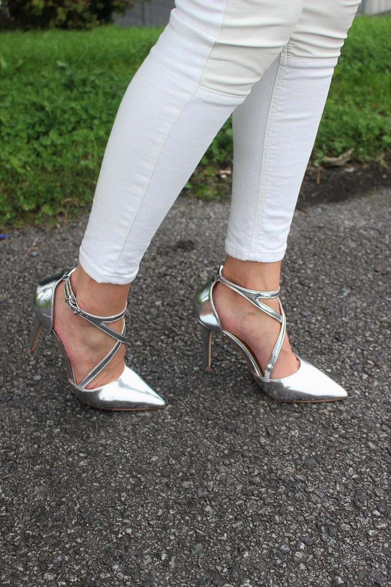 jeans Mango, shoes Kurt Geiger, Asos, silver heels, trendy