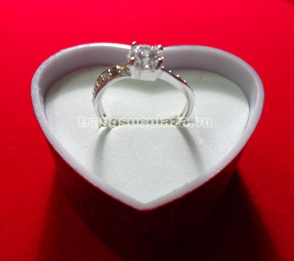Nhẫn nữ bằng bạc Ý NN104