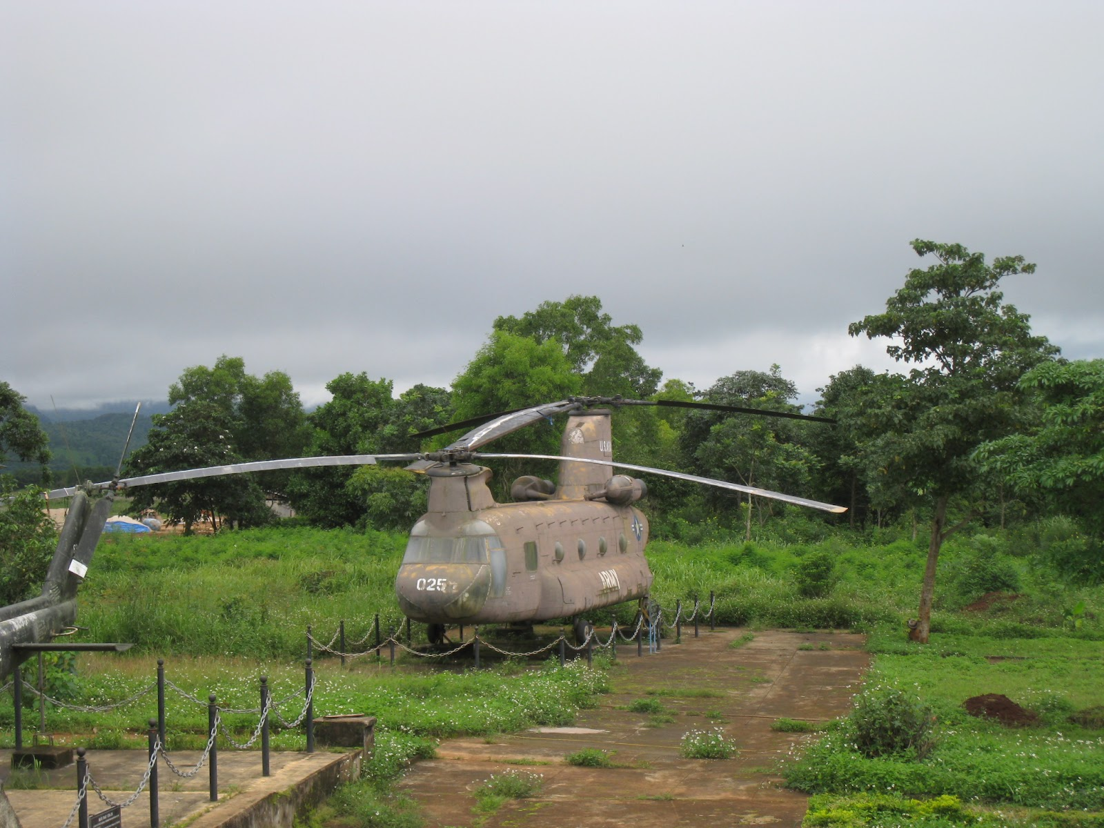 pictures of vietnam us military bases