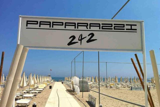 paparazzi-beach-242