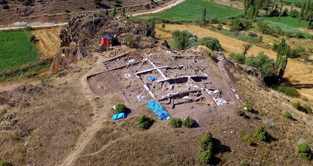 8,000 year old paint workshop discovered in northwestern Turkey