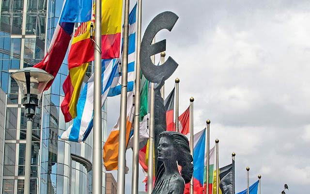 Χωρίς ενιαία γραμμή η Ευρώπη στις εμπορικές συνομιλίες με τις ΗΠΑ