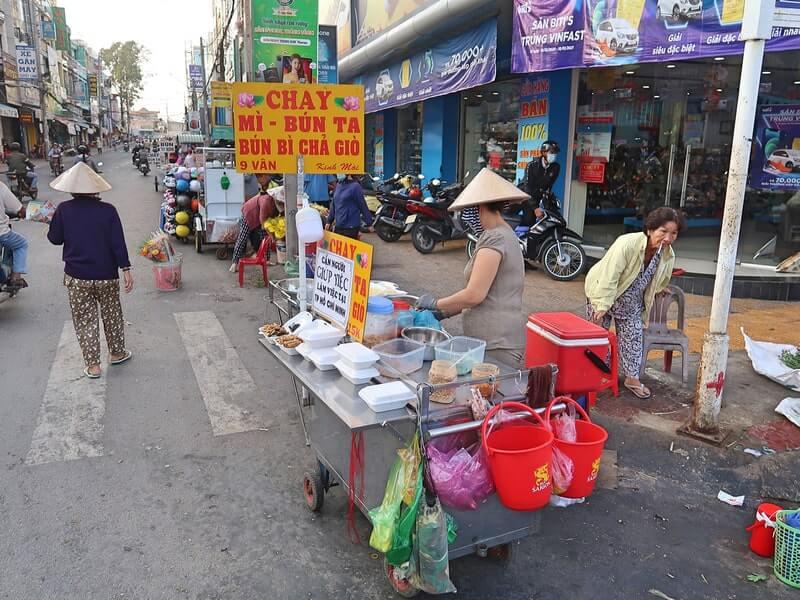 Xe bán đồ chay tại Sa Đéc