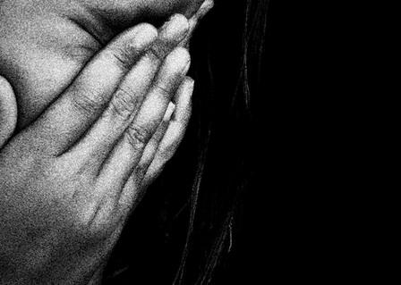 Remaja dihukum rajam setelah diperkosa sepupu