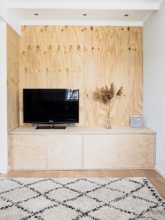 How to arrange a stylish corner to work at home?