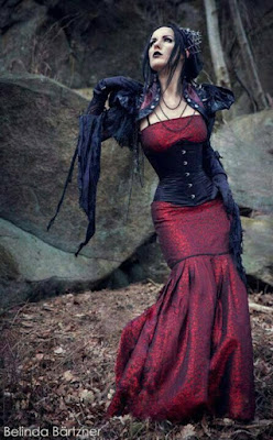 Women's Steampunk clothing skirt and dress shapes: trumpet skirt