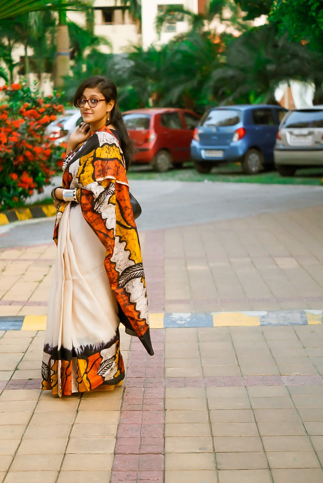 how to wear a saree to office