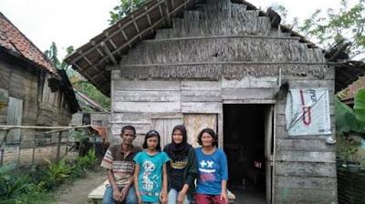 Contoh Foto Keluarga KIP Kuliah
