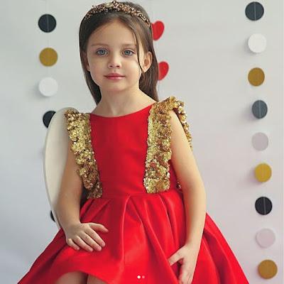 صور ليزا توماتشوفا ، بنت جميلة من روسيا