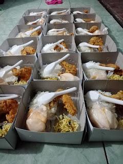 Nasi kotak ayam