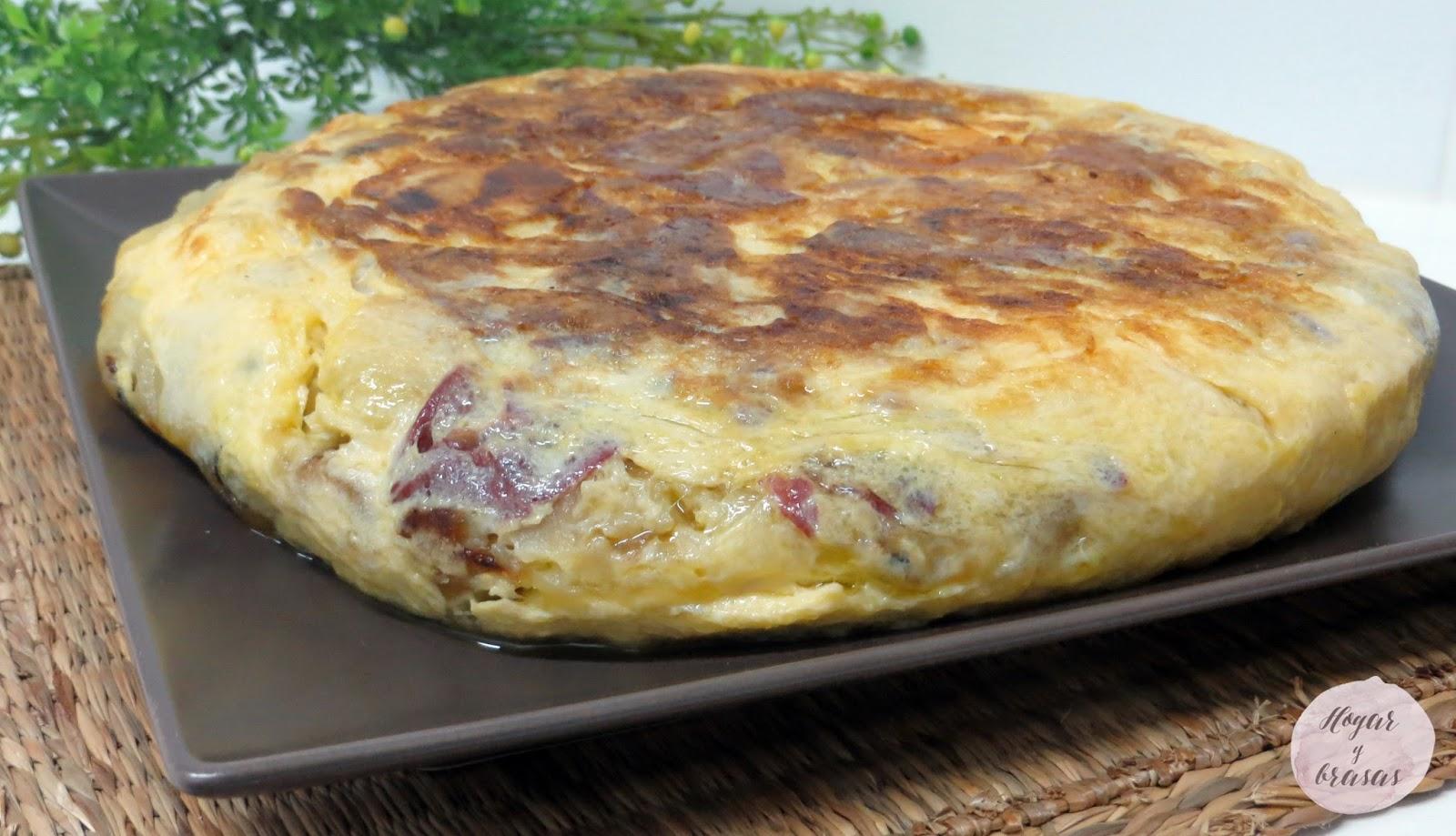 tortilla de patata con cecina y queso de cabra