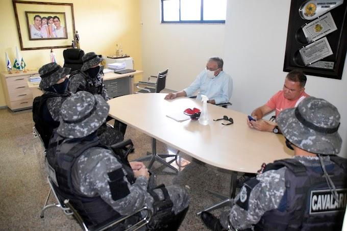 Prefeito de Cariré esteve reunido com uma equipe do Pelotão de Choque de Fortaleza