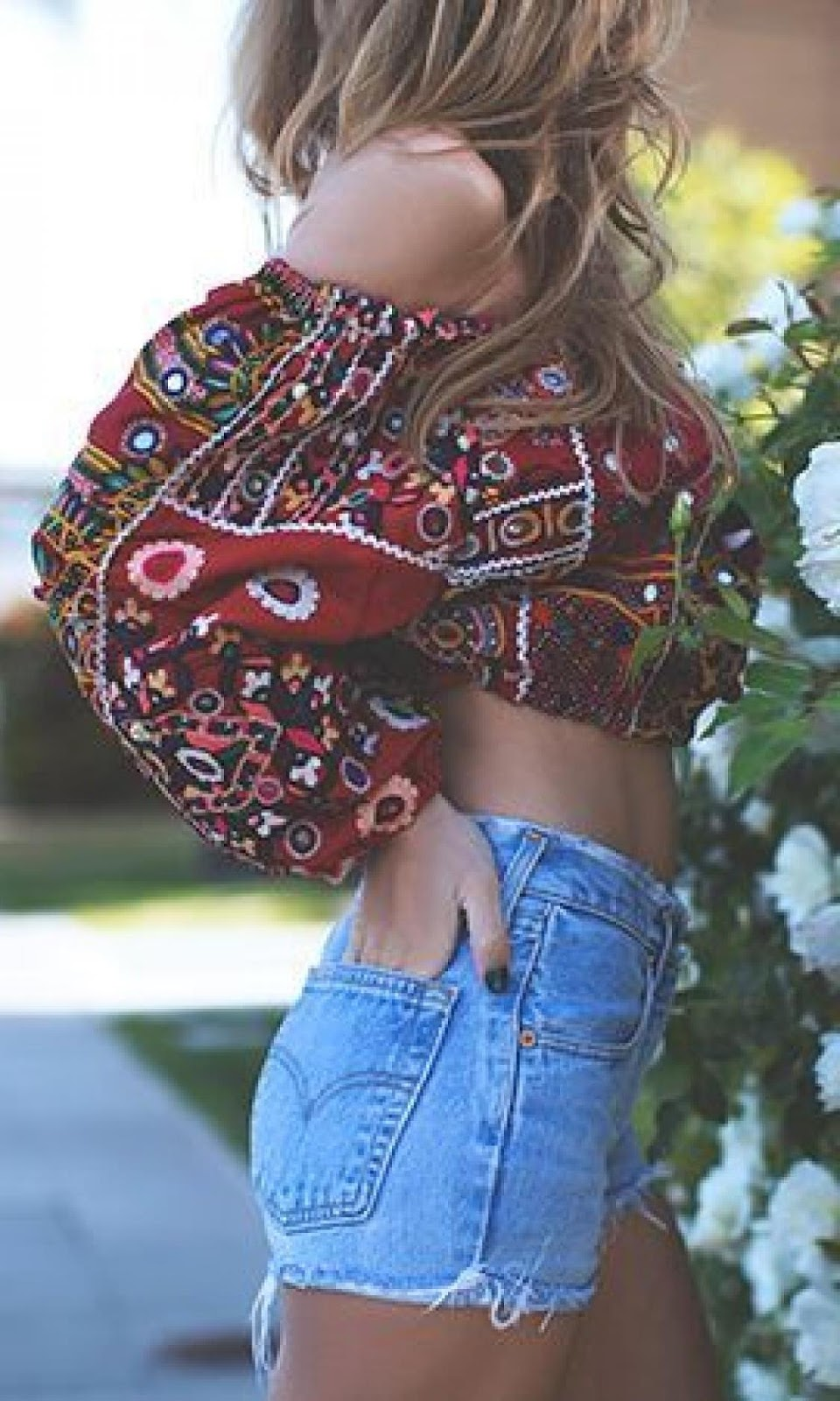 boho style perfection / printed off shoulder blouse and high weist shorts