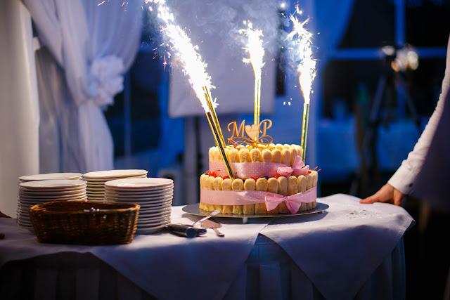ślubne inspiracje, tort weselny, toper,inicjały na torcie, wjazd tortu, tort weselny inspiracja