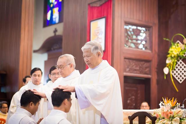 Lễ truyền chức Phó tế và Linh mục tại Giáo phận Lạng Sơn Cao Bằng 27.12.2017 - Ảnh minh hoạ 170