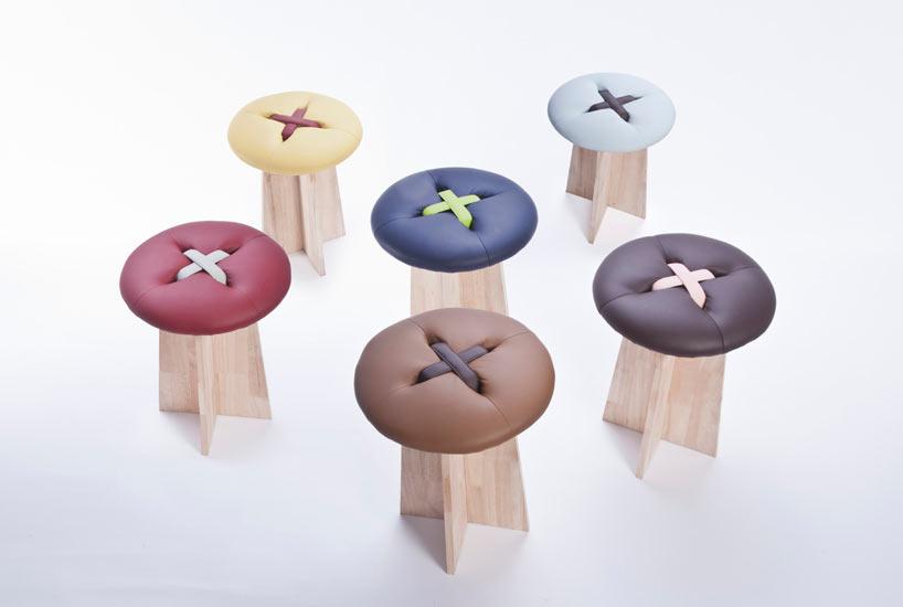 0a9333245c956 Diseño de bancos en forma de botones gigantes.