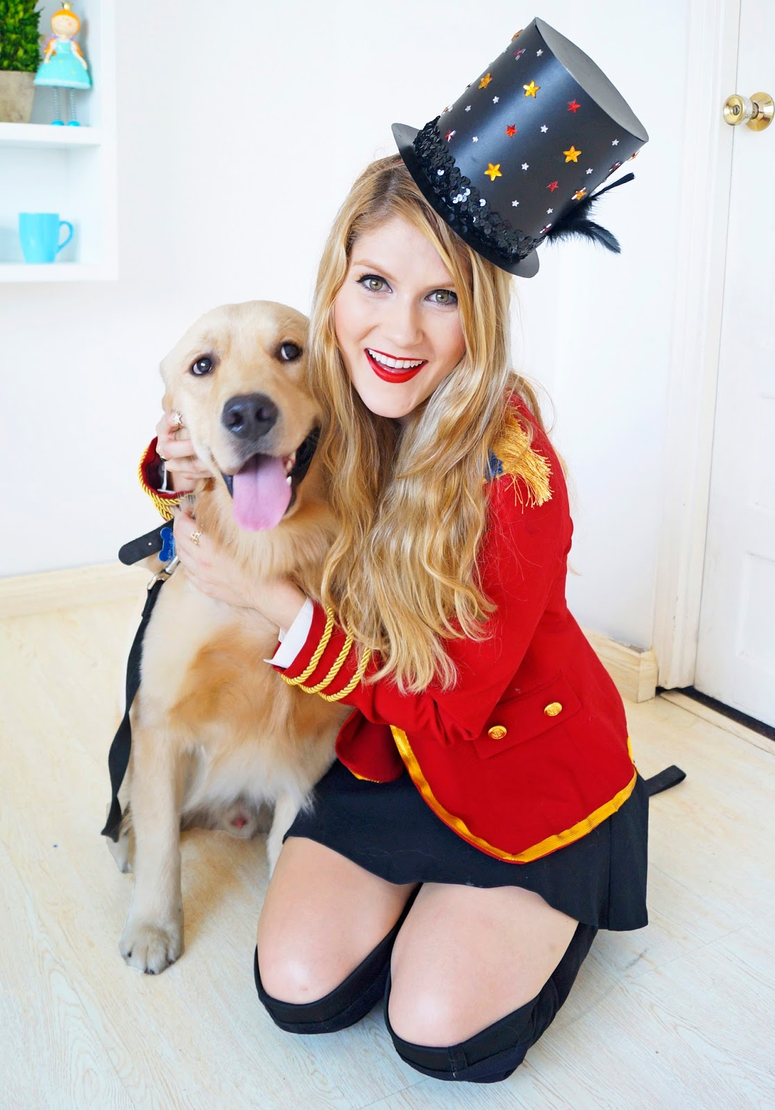 Love this idea of a Lion Tamer and a Lion as a dog costume! - Click through for full tutorial