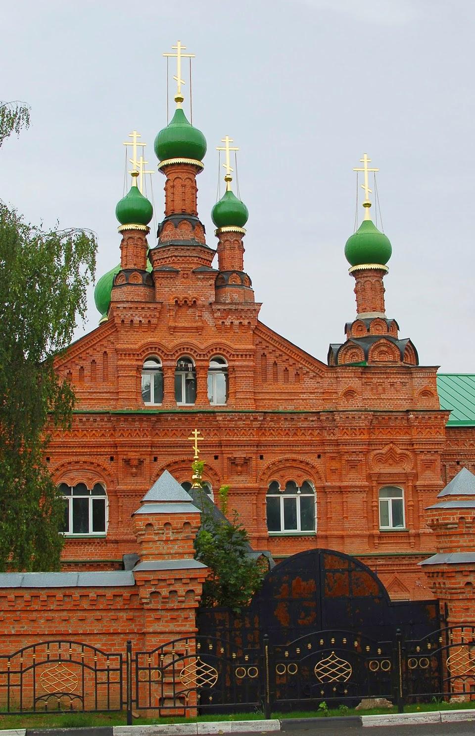 Лаврская больница-богадельня с церковью Иоанна Лествичника, Сергиев Посад.