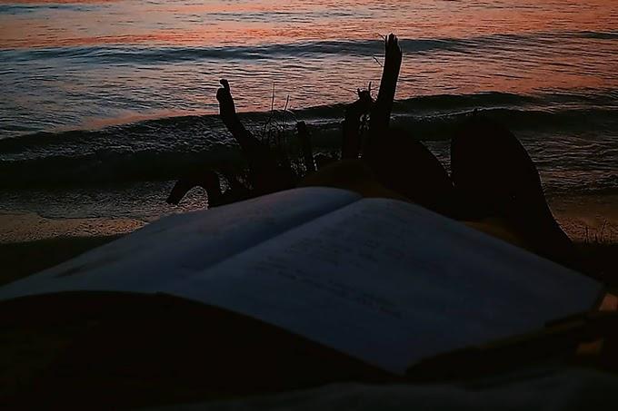 Pukul Tiga Pagi dan Puisi