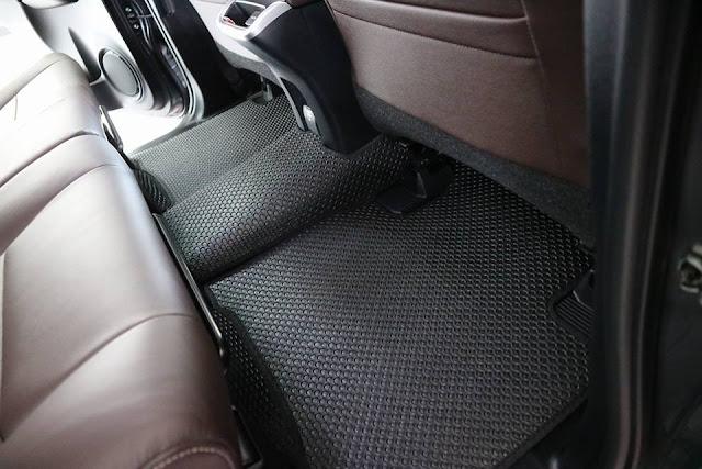 Thảm lót sàn Toyota Fortuner 2017