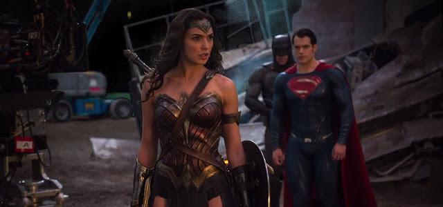 Nuevas imágenes detrás de las cámaras y featurette de 'Batman v Superman: el amanecer de la Justicia'
