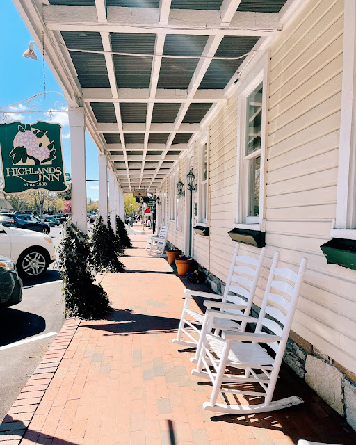 Travel Guide: Old Edwards Inn Highlands, North Carolina