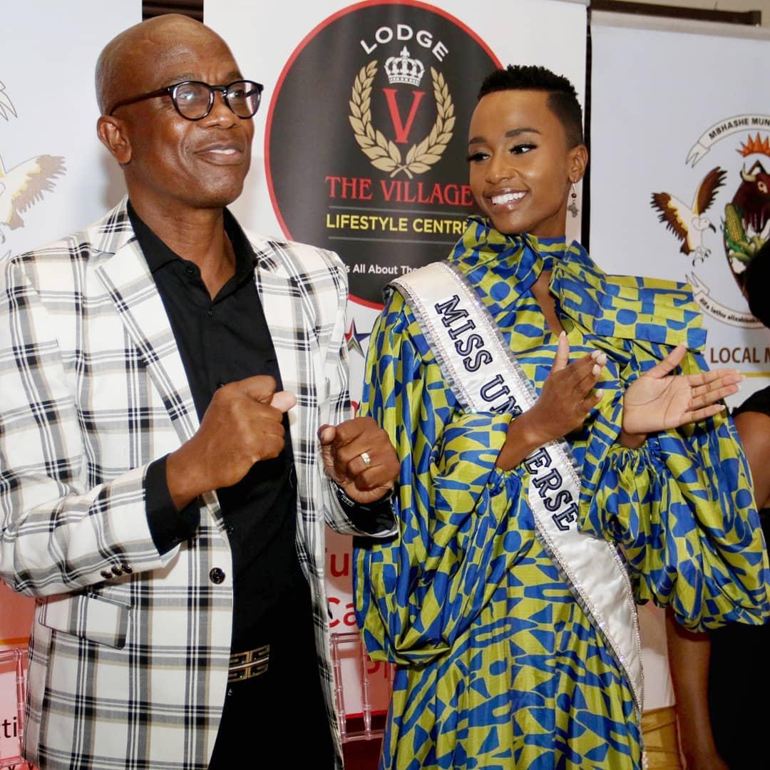 Miss Universe Zozibini Tunzi with her father Lungisa Tunzi. (Photo: Yolanda van der Stoep)
