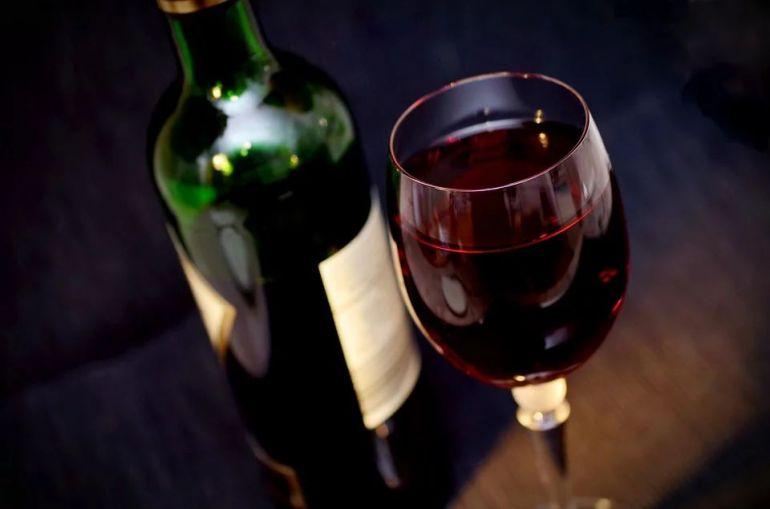 Vin rosu: ce se intampla in corpul tau atunci cand bei vin rosu