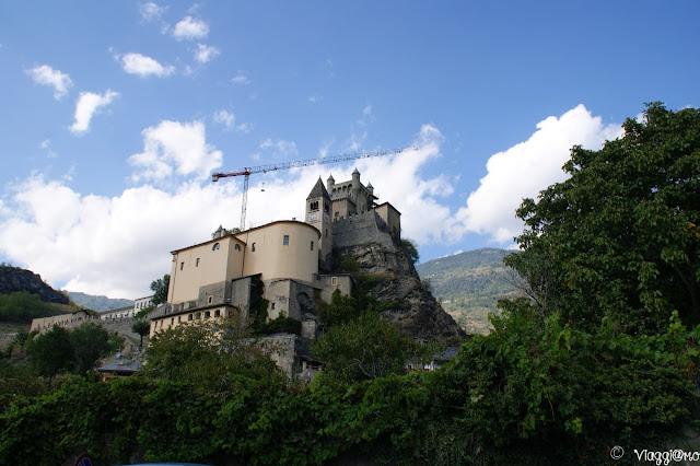 Il Castello di Saint Pierre arroccato
