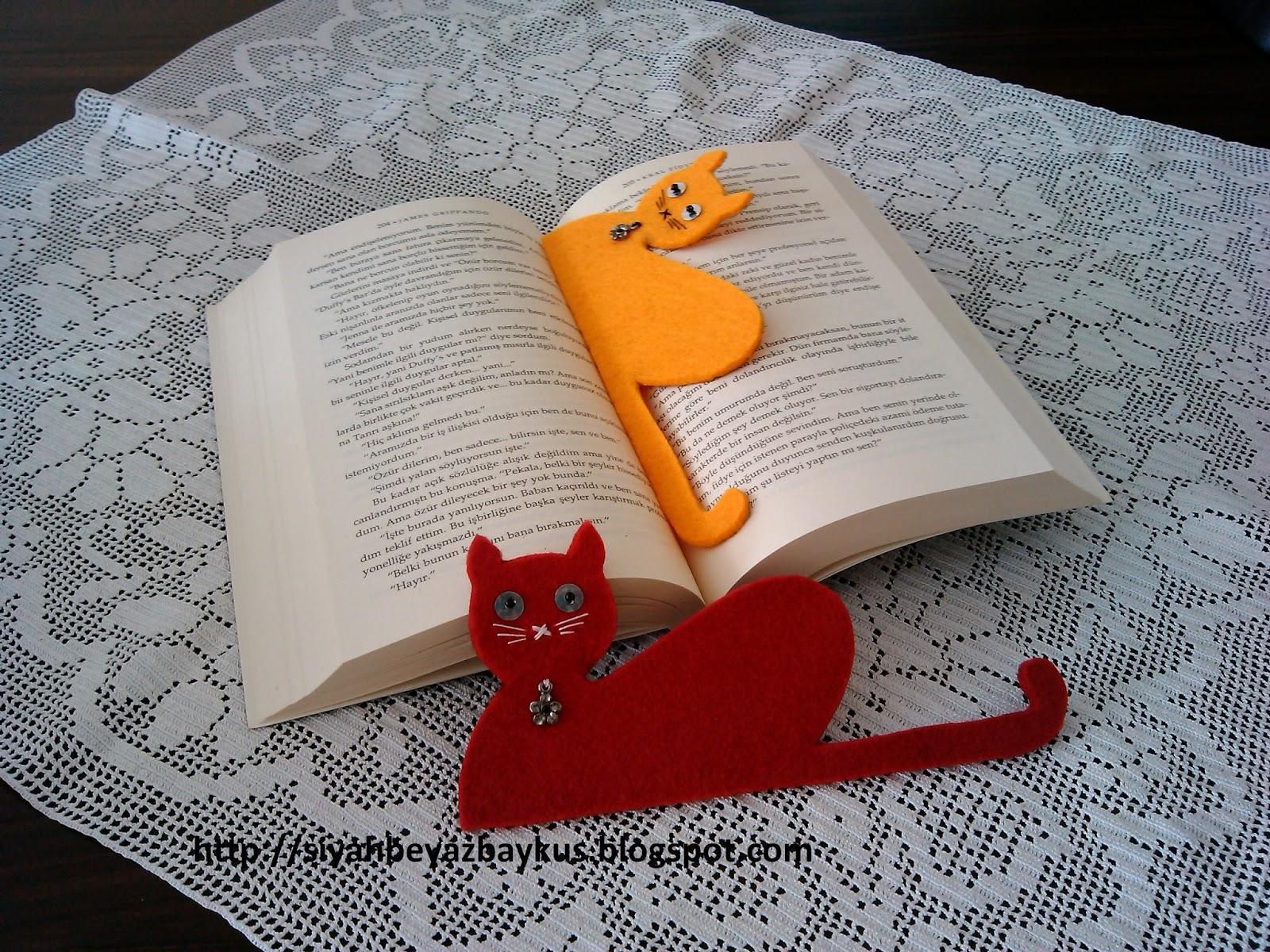 Siyah Beyaz Baykus Keceden Kedili Kitap Ayraci