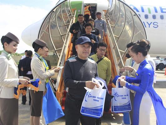 Sân bay Phù Cát đón chuyến bay quốc tế đầu tiên, bùng nổ cho ngành Du Lịch Bình Định