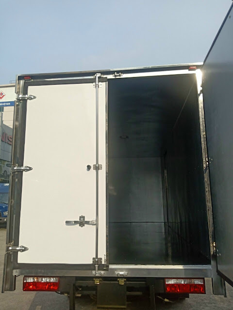 Bên trong thùng Hyundai EX8 GTS2 bảo ôn