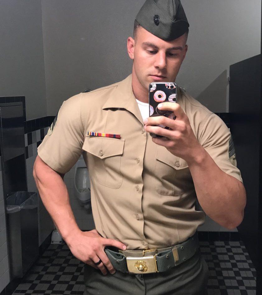 handsome-young-army-uniform-man-hunk-bathroom-selfie