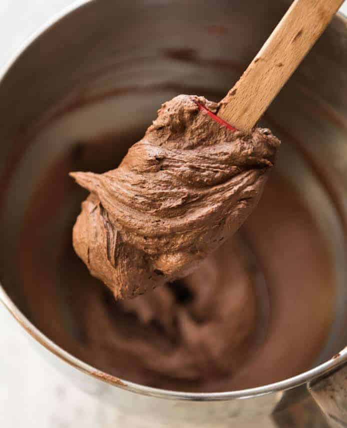 Perfect Chocolate Buttercream Frosting #desserts #chocolate #buttercream #pumpkin #easy