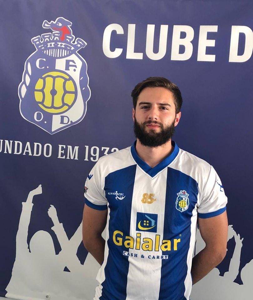 Oliv. Douro antecipa-se à concorrência e garante Tiago Ribeiro