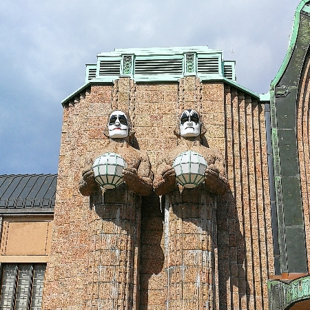 Helsingin Rautatieasema KISS maskit 2017