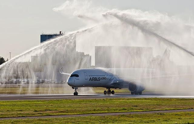 لماذا يتم رش بعض الطائرات بالماء أثناء هبوطها