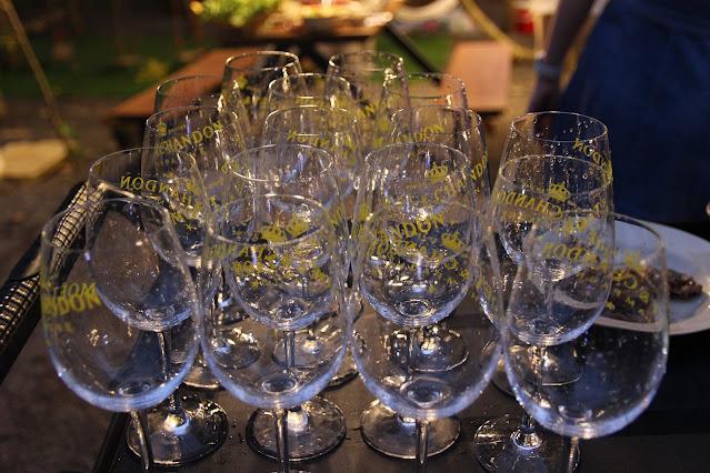 BBQ party với rượu vang