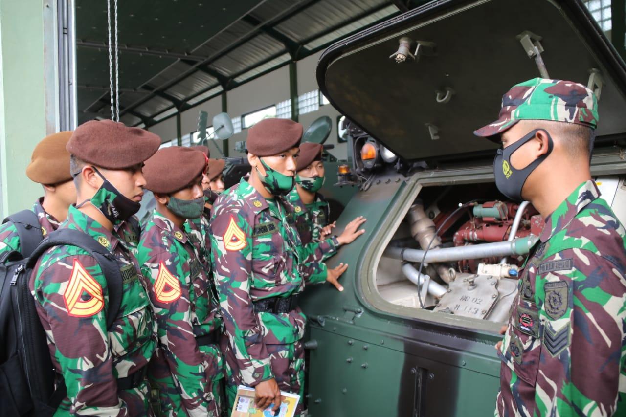 86 Taruna Akademi Militer Kunjungi Yonif MR 411 Kostrad di Salatiga