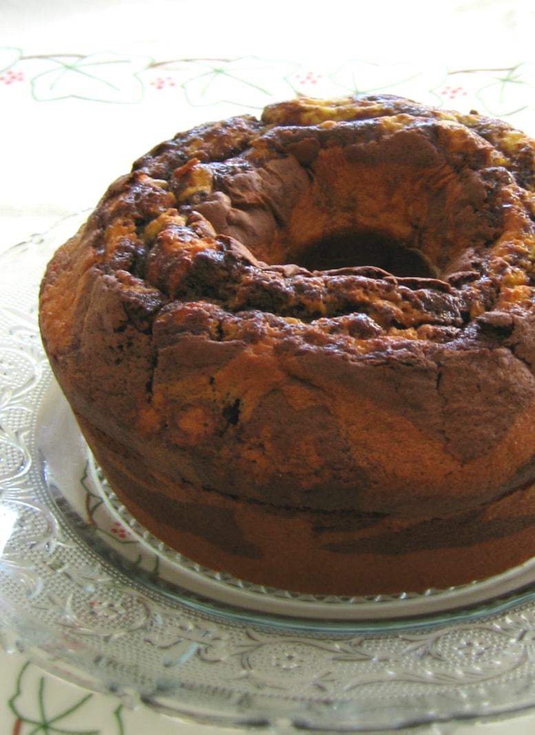 Bolo mármore da avó inteiro / Grandma's marble cake in one piece