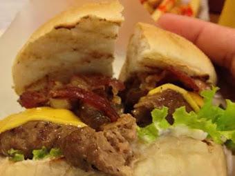 Big Better Burgers: Affordable Gourmet Burgers