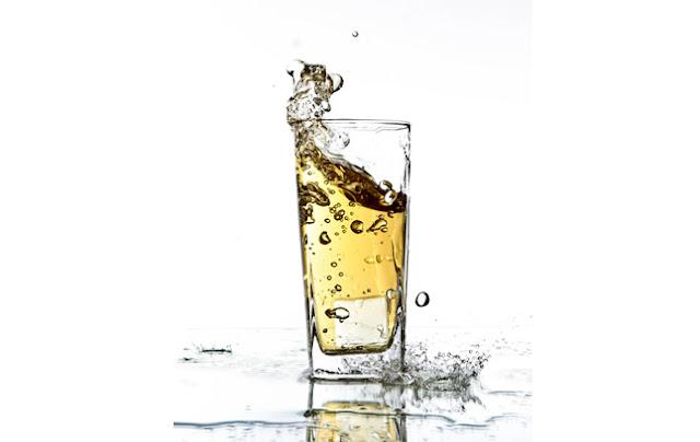 飯後喝溫水 飯後冷飲會得腸癌