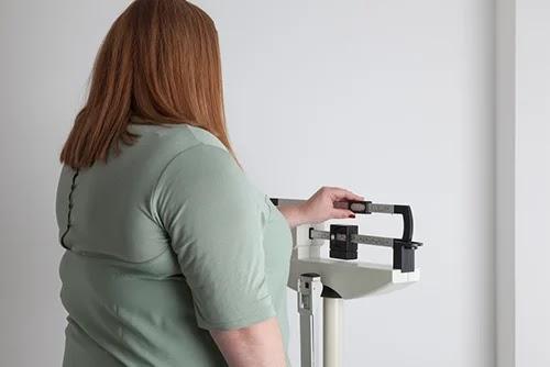 لماذا تكتسب وزنا زائدا في فصل الشتاء؟