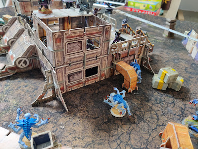 005 - First party of genestealer attack with a lictor behind