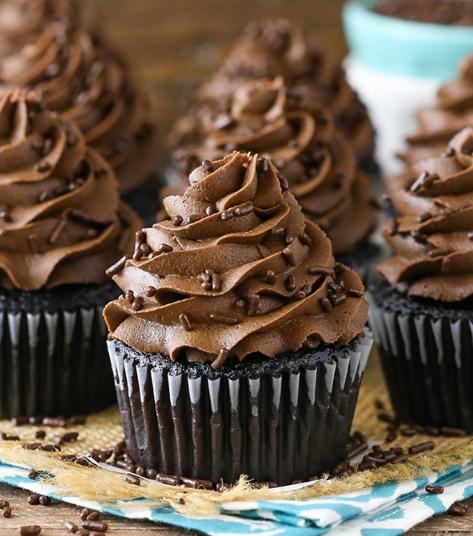 HOMEMADE MOIST CHOCOLATE CUPCAKES #desserts #cakes #homemade #cupcakes #chocolate