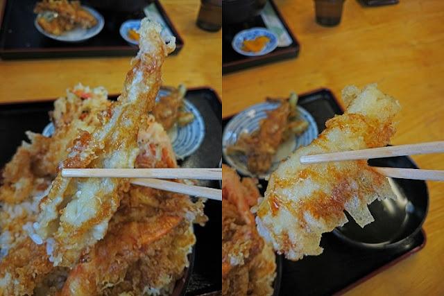 海鮮天丼の天婦羅の写真