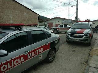Casal de irmãos é preso em Guarabira suspeito de estupro de vulnerável, desacato, desobediência, resistência e lesão corporal