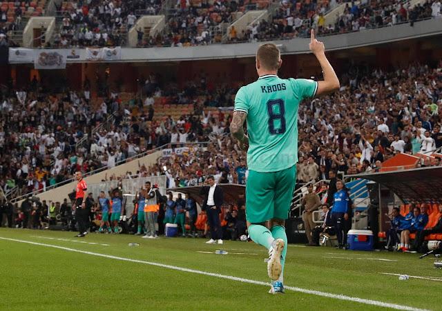 ريال مدريد يقسو على فالنسيا ويبلغ نهائي السوبر الإسباني